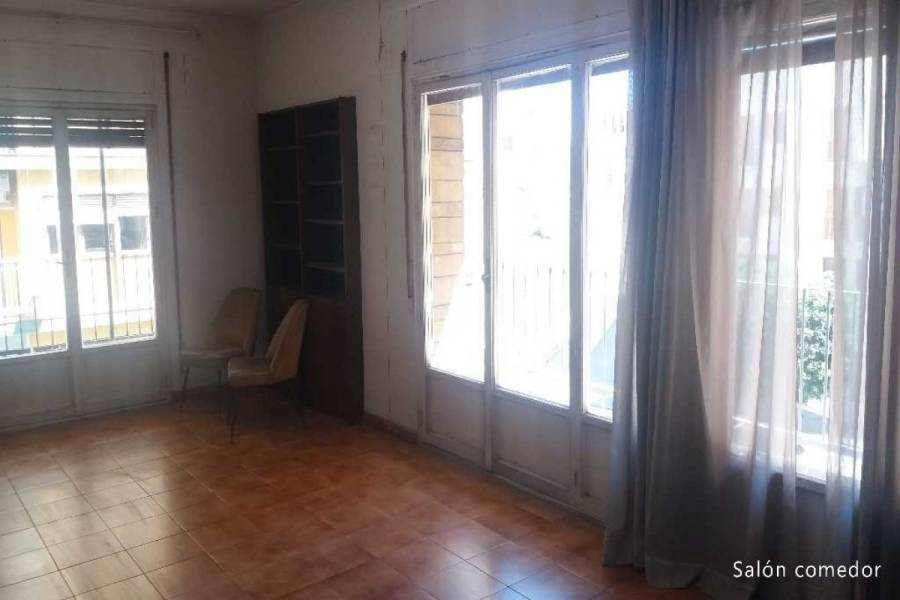 Alicante,Alicante,España,5 Bedrooms Bedrooms,2 BathroomsBathrooms,Pisos,9004