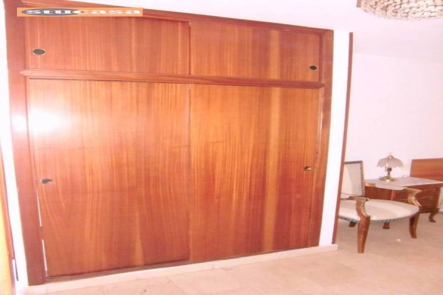 Alicante,Alicante,España,4 Bedrooms Bedrooms,2 BathroomsBathrooms,Pisos,9194