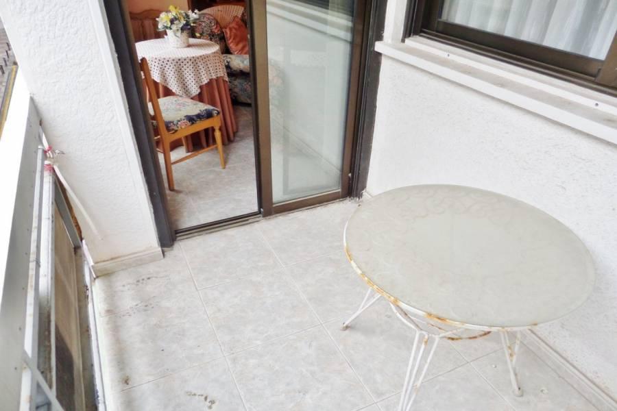 Alicante,Alicante,España,2 Bedrooms Bedrooms,1 BañoBathrooms,Pisos,9199