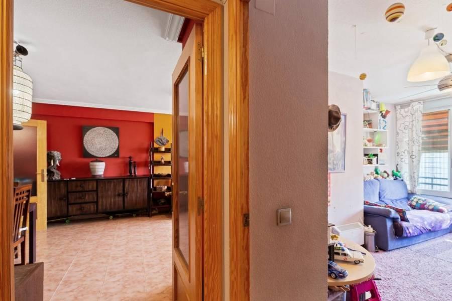 Alicante,Alicante,España,4 Bedrooms Bedrooms,2 BathroomsBathrooms,Pisos,9202