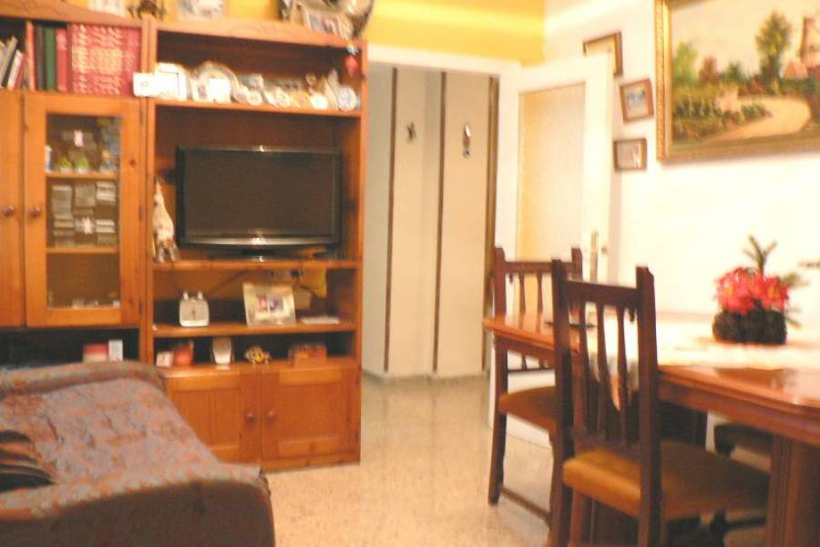 Alicante,Alicante,España,5 Bedrooms Bedrooms,1 BañoBathrooms,Pisos,9373