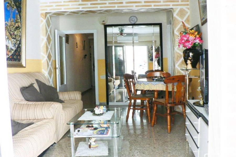 Alicante,Alicante,España,5 Bedrooms Bedrooms,1 BañoBathrooms,Pisos,9373