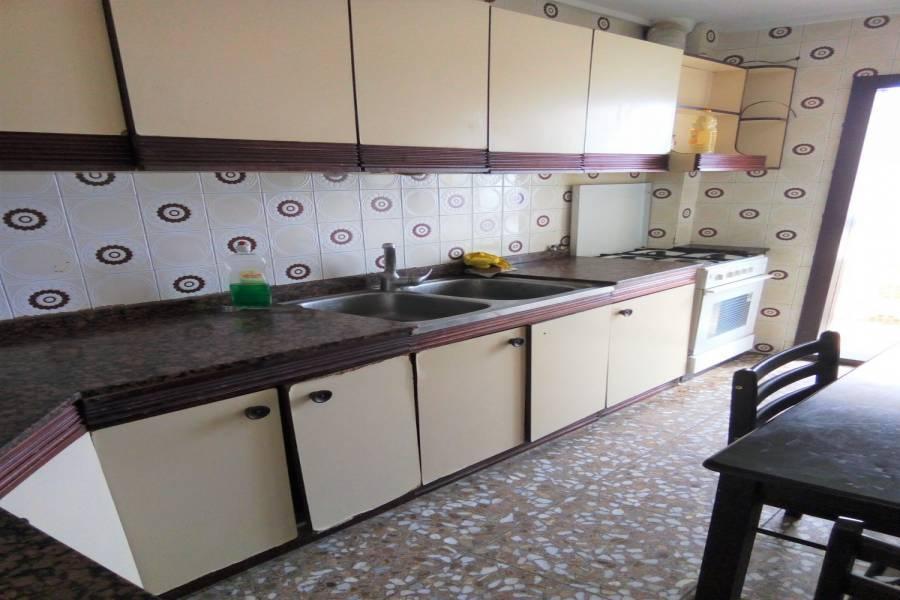 Alicante,Alicante,España,3 Bedrooms Bedrooms,1 BañoBathrooms,Pisos,9393