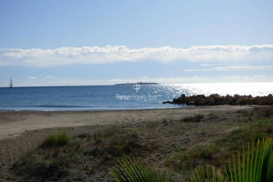 Santa Pola,Alicante,España,3 Bedrooms Bedrooms,3 BathroomsBathrooms,Pisos,9410