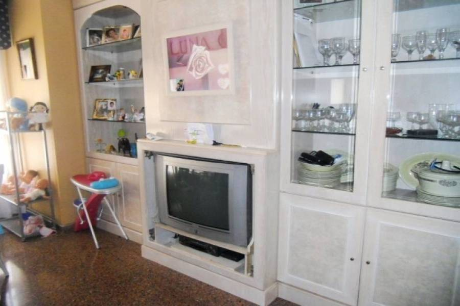 Alicante,Alicante,España,3 Bedrooms Bedrooms,1 BañoBathrooms,Pisos,9412