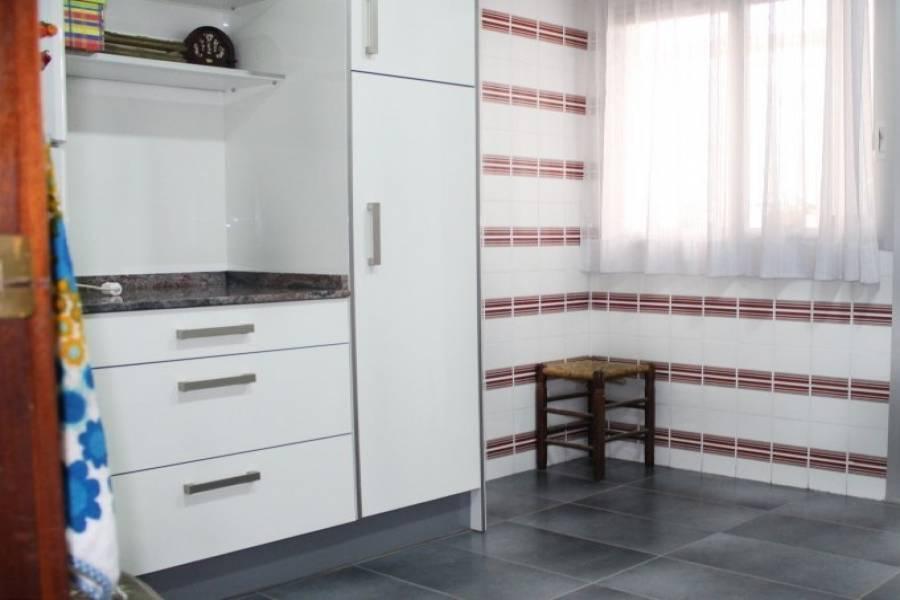 Dénia,Alicante,España,4 Bedrooms Bedrooms,2 BathroomsBathrooms,Pisos,9465