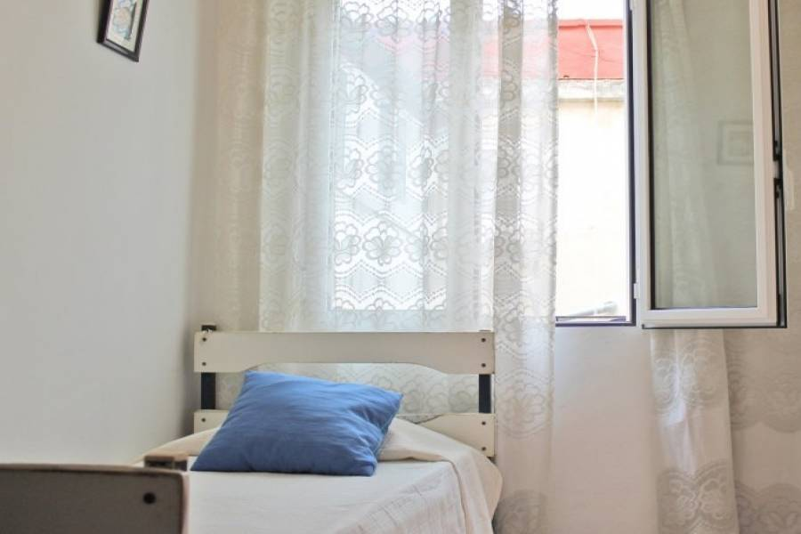 Dénia,Alicante,España,3 Bedrooms Bedrooms,1 BañoBathrooms,Pisos,9477