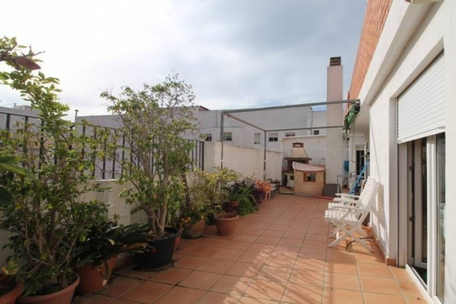 Dénia,Alicante,España,4 Bedrooms Bedrooms,3 BathroomsBathrooms,Pisos,9485