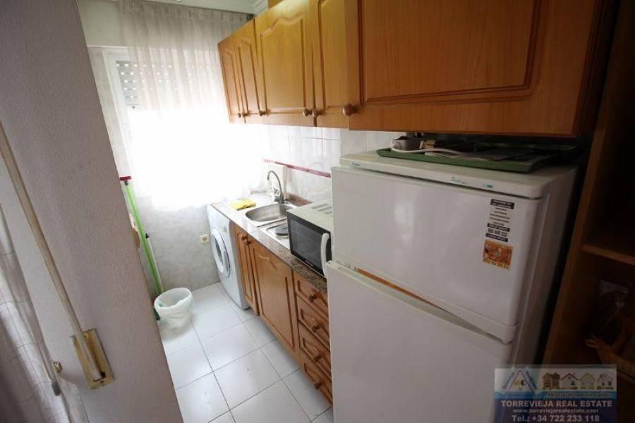 Torrevieja,Alicante,España,1 BañoBathrooms,Pisos,9496