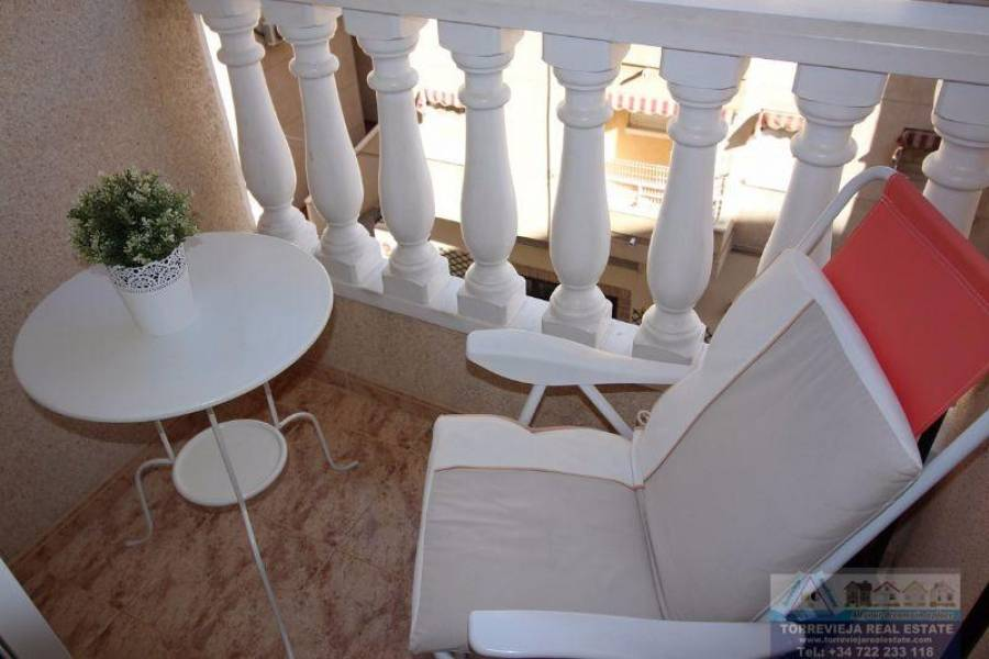Torrevieja,Alicante,España,1 BañoBathrooms,Pisos,9499